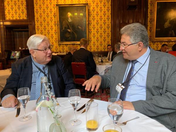 رئيس إتحاد الجامعات البريطانية المستقلة يستضيف أبوكشك بالبرلمان البريطاني لبحث التعاون