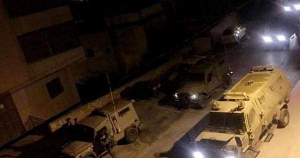 قوات الاحتلال تعتقل 13 مواطناً من الضفة الغربية والقدس