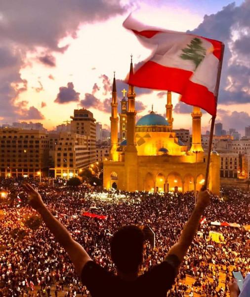 """منظمة عربية تطالب الحريرى بإعلان إستقالة الحكومة وتستنكر تهديدات (نصر الله) لـ""""لبنان"""""""