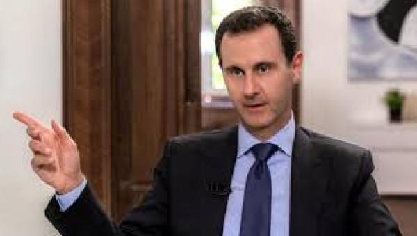 شاهد: الأسد يُشرف على رمايات مدفعية في إدلب