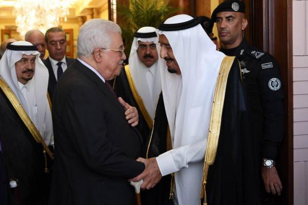 الملك سلمان يُطلع مجلس الوزراء السعودي على نتائج مباحثاته مع الرئيس عباس