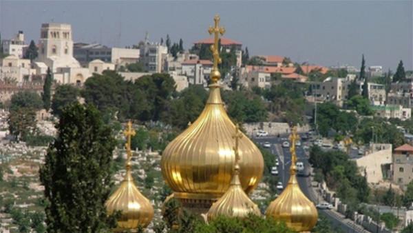 عيسى: كنائس فلسطين مهددة بأن تصبح متاحف للسياح