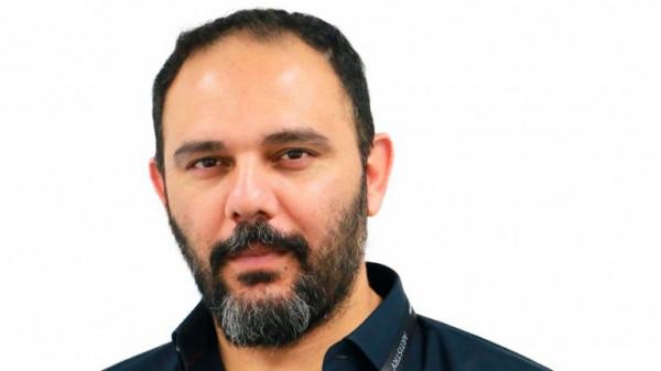 مُخرج سينمائي يعترف بتعرضه للاغتصاب على يد إعلامي شهير