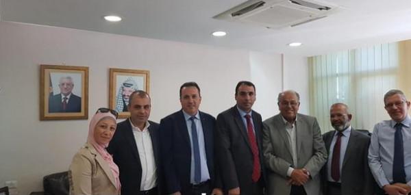 الهيئة الفلسطينية لحملة الدكتوراه في الوظيفة العمومية تجتمع مع ابو زهري