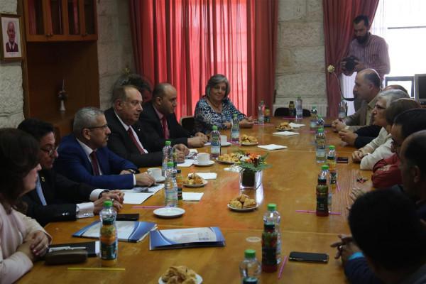 وزير التعليم العالي والبحث العلمي يزور جامعة بيت لحم