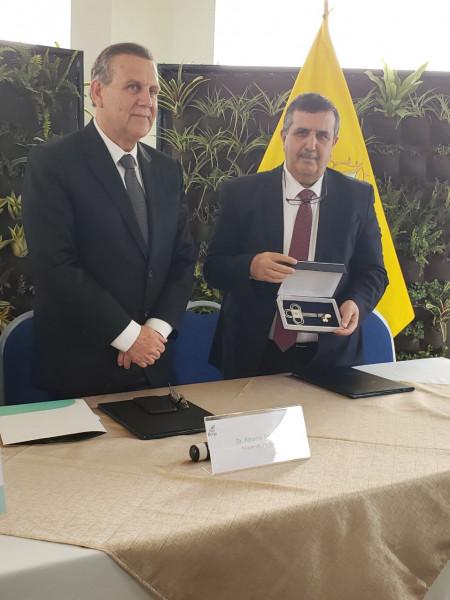 رئيس بلدية بيت لحم يوقع إتفاقية جديدة مع بلدية سان بورخا بالبيرو