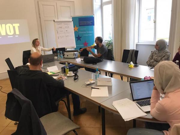 """بلدية الخليل تبتعث 6شركات ناشئة ومحتضنة بمركز حاضنات الأعمال للتدريب بـ""""مانهايم"""" الألمانية"""