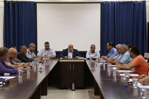 المجلس التنفيذي لمحافظة اريحا والأغوار يناقش الاستعدادات لمواجهة فصل الشتاء