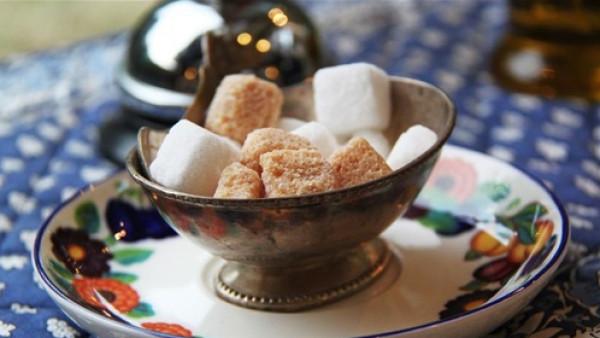 5 أسباب تدفعك للتوقف فورا عن تناول السكر