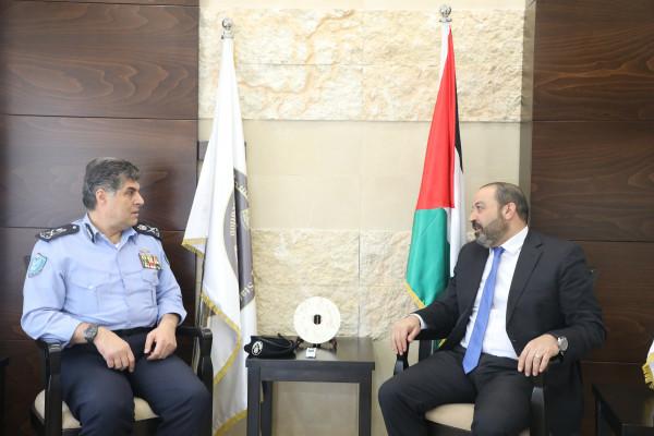 النائب العام يلتقي مدير عام الشرطة الفلسطينية اللواء حازم عطالله
