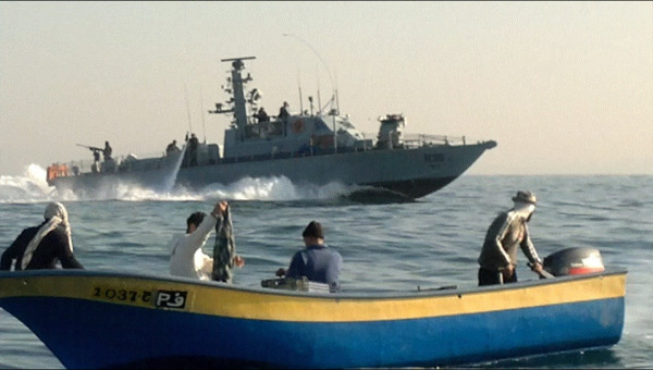 الاحتلال يعتقل صيادَين على شواطئ بحر رفح جنوب القطاع