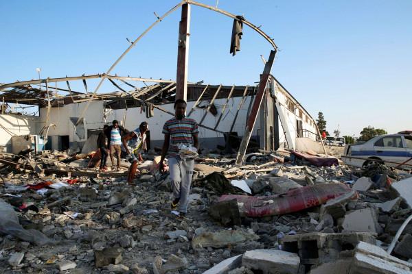 """الأورومتوسطي: """"الجنائية الدولية"""" مطالبة بفتح تحقيق بهجوم مروع استهدف مهاجرين في ليبيا"""