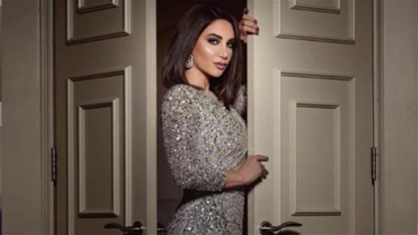"""بفستان من """"لابورجوازي"""".. ديانا حداد تتألق فى الرياض"""