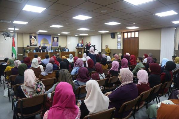 أكاديمية المدربين العرب ومنظمة تطوع تنظمان حفل تخريج للمشاركين بالدورات الأكاديمية والتعليمية