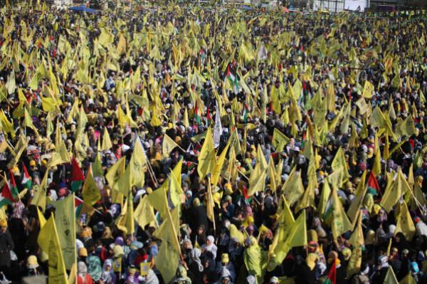 """قيادي بـ""""فتح"""" يدين منع إحياء ذكرى عرفات ويطالب حماس بتذليل العقبات أمام الانتخابات"""