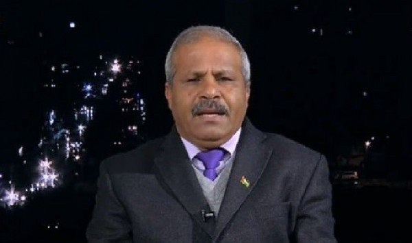 العوض: حماس تمنع إحياء ذكرى رحيل عرفات خشيةً من الاختبار الجماهيري بالقطاع