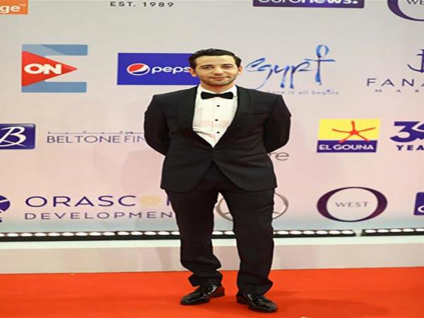 كريم قاسم إلى فرنسا للمنافسة بفيلم ليل خارجي في مهرجان السينما الأفريقية