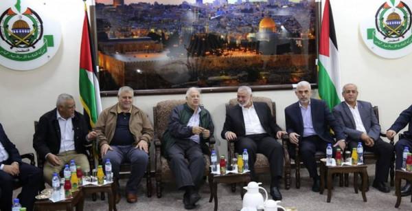 """قيادي بـ""""الديمقراطية"""" يكشف تفاصيل اجتماع عقد بين حماس وأربعة فصائل يسارية بغزة"""