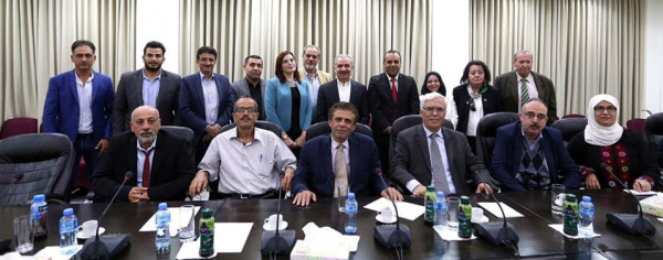 اشتية يلتقي الاتحاد العام للكتاب والأدباء الفلسطينيين