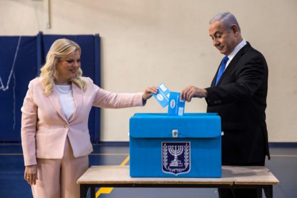 استطلاعات الرأي حول الانتخابات تسيطر على الصحف الإسرائيلية... وهذه نتائجها