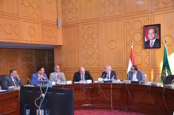 مناقشات بشأن قرار تشكيل المجلس الفرعى للمجلس الأعلى للحوار المجتمعى بمجال العمل