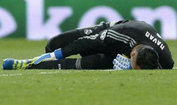 الإصابة تبعد نافاس وسباق مع الزمن للعب أمام ريال مدريد