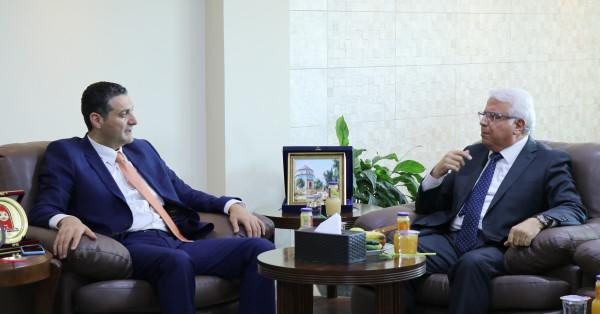 جامعة بوليتكنك فلسطين تستقبل مدير عام شركة جوال