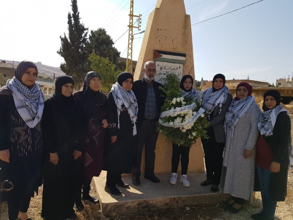 اتحاد المرأة يُحيي ذكرى الشهيد أبوعمار بوضع إكليل ورد على نصب الشهداء