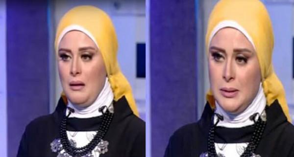 لحظة انهيار مذيعة مصرية على الهواء بعد تأثرها بحديث شيخ عن الموت