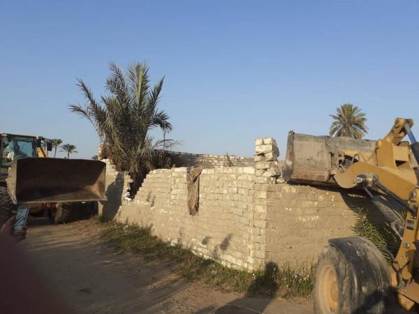 إزالة التعديات على مساحة 18 فدان والبناء على أرض زراعية في الإسماعيلية