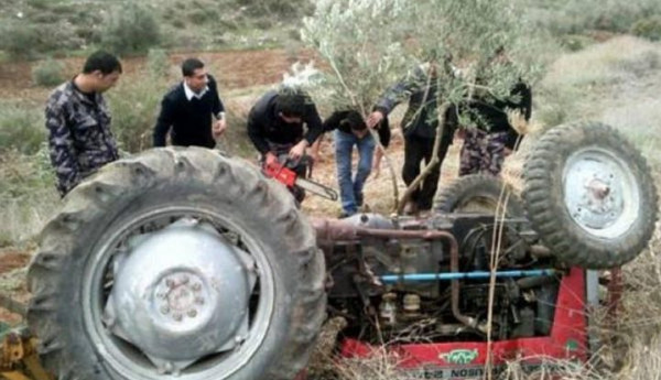 مصرع مواطن بانقلاب جرار زراعي في الخليل