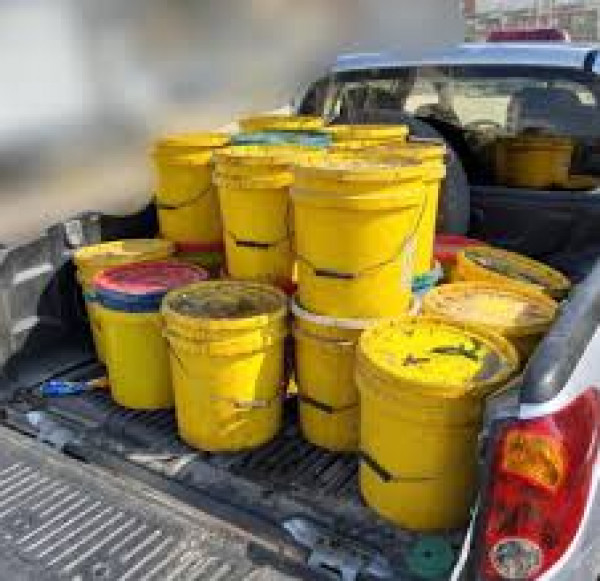 الضابطة الجمركية تضبط 16 ونصف طن بضائع فاسدة و منتهية الصلاحية