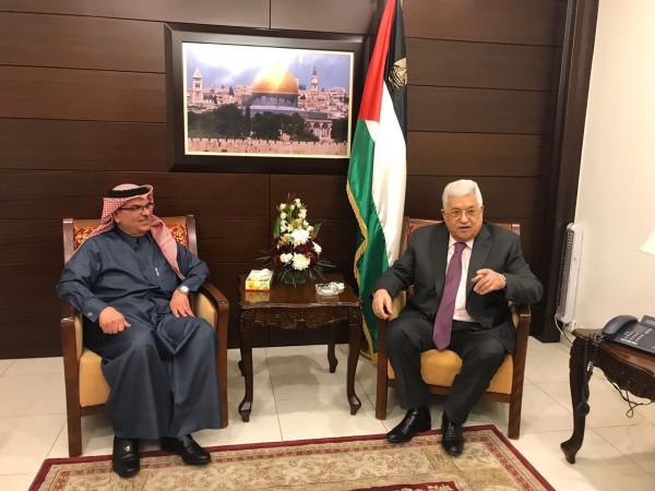 الرئيس عباس يُعزي السفير العمادي بوفاة زوج ابنته