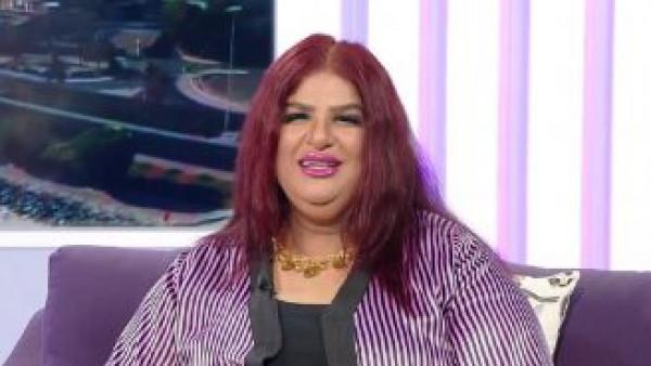 الفنانة الكويتية سعاد سلمان تبكي بعد إحراجها على الهواء بسبب وزنها