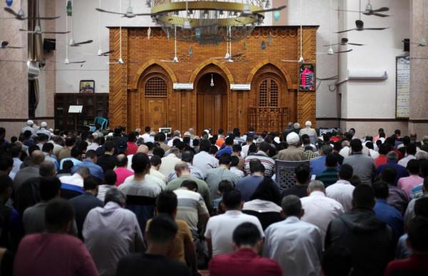 الأوقاف تُطالب أئمة المساجد بضرورة بث روح الأمل والثبات والعزيمة بين الناس