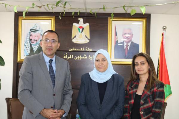 الرويضي ود.حمد يبحثان تفعيل دور منظمة التعاون الاسلامي بتعزيز دعم المرأة الفلسطينية