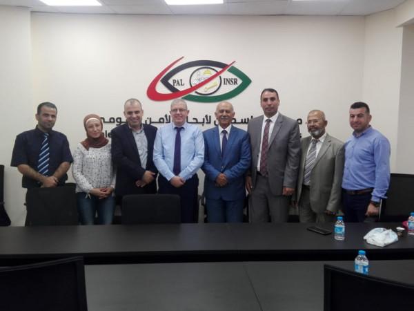 معهد فلسطين يمنح حملة الدكتوراه مقرا مؤقتا