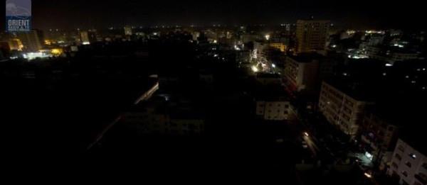 عودة التيار الكهربائي لأجزاء من محافظات شمال وجنوب القطاع واستمرار تعطله شرق غزة