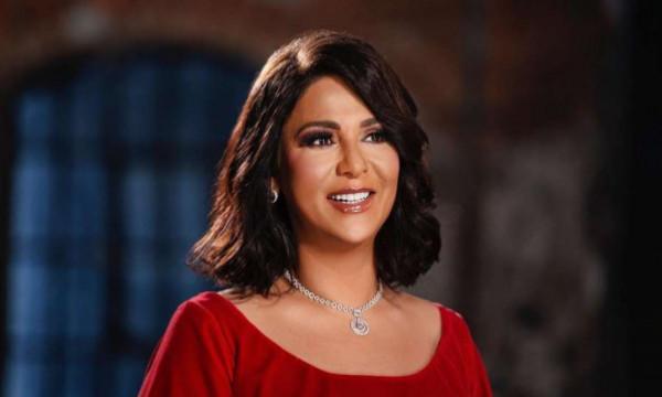 الشقيقة الكبرى لنوال الكويتية تشعل المواقع بجمالها