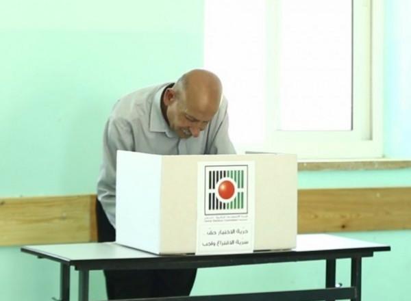 رأفت: وفد الانتخابات بغزة ونتمنى أن تعطيه حماس رداً إيجابياً على ورقة الرئيس
