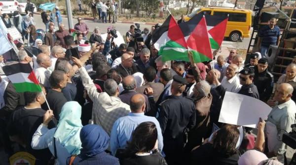الاف المشاركون في رام الله يطالبون بدعم تجديد تفويض ولاية عمل الأونروا