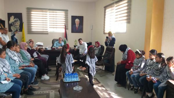 أمين سر حركة فتح يلتقي لجان الشبيبة الثانوية