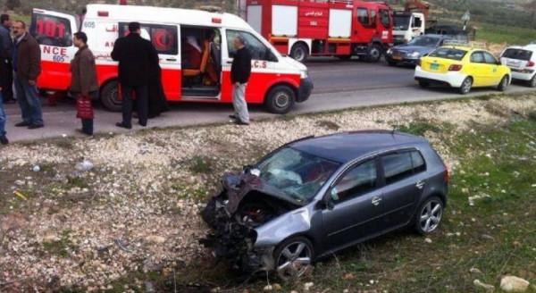 مصرع مواطنين بحادث سير ذاتي غرب الخليل