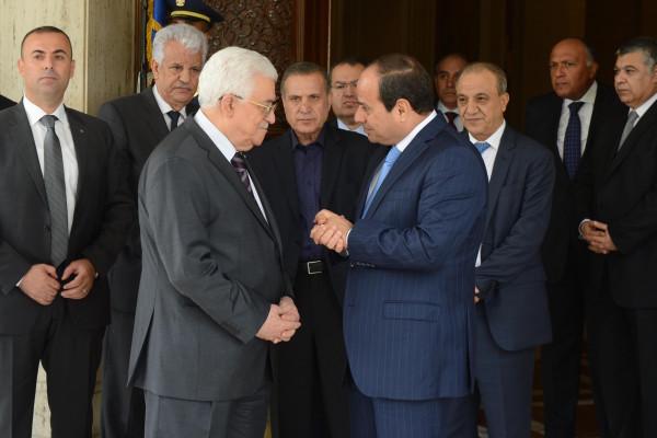 الرئاسة المصرية تهنئ الرئيس عباس بذكرى الاستقلال