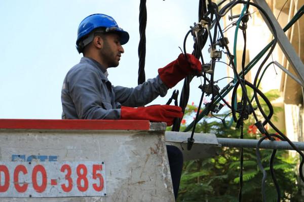 شركة الكهرباء: خسائرنا نتيجة القصف الإسرائيلي بلغت 300 ألف شيكل