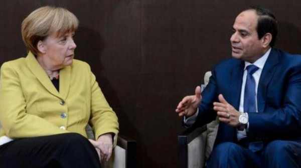 السيسي يبحث هاتفياً مع ميركل الأزمة الليبية