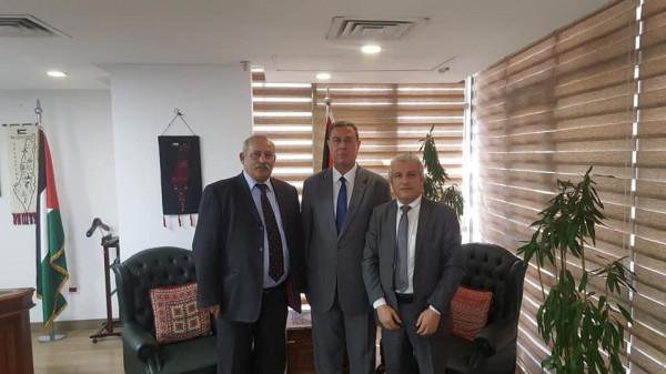 السفير دياب اللوح يستقبل وزير النقل والمواصلات ورئيس اتحاد المستهلك