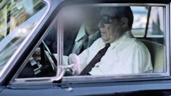 شاهد: بيع رخصة قيادة الزعيم السوفيتي بريجنيف في مزاد علني