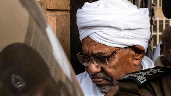 """القضاء السوداني يُحدد موعد الحكم بقضية """"فساد"""" البشير"""