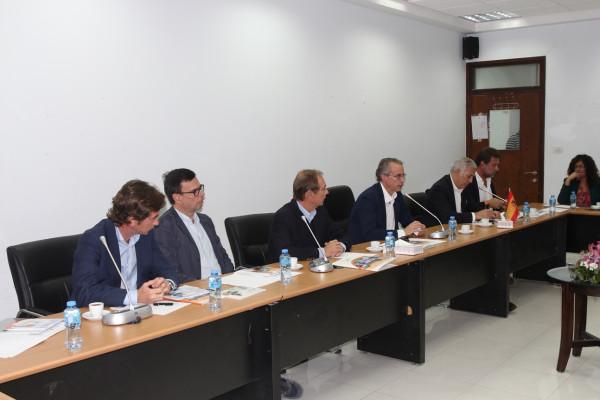 وزير الاقتصاد الوطني يدعو رجال الأعمال الإسبان إلى الاستثمار في فلسطين